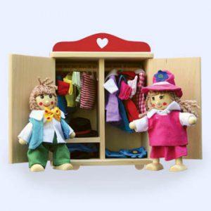 Merel & Max met gevulde kledingkast